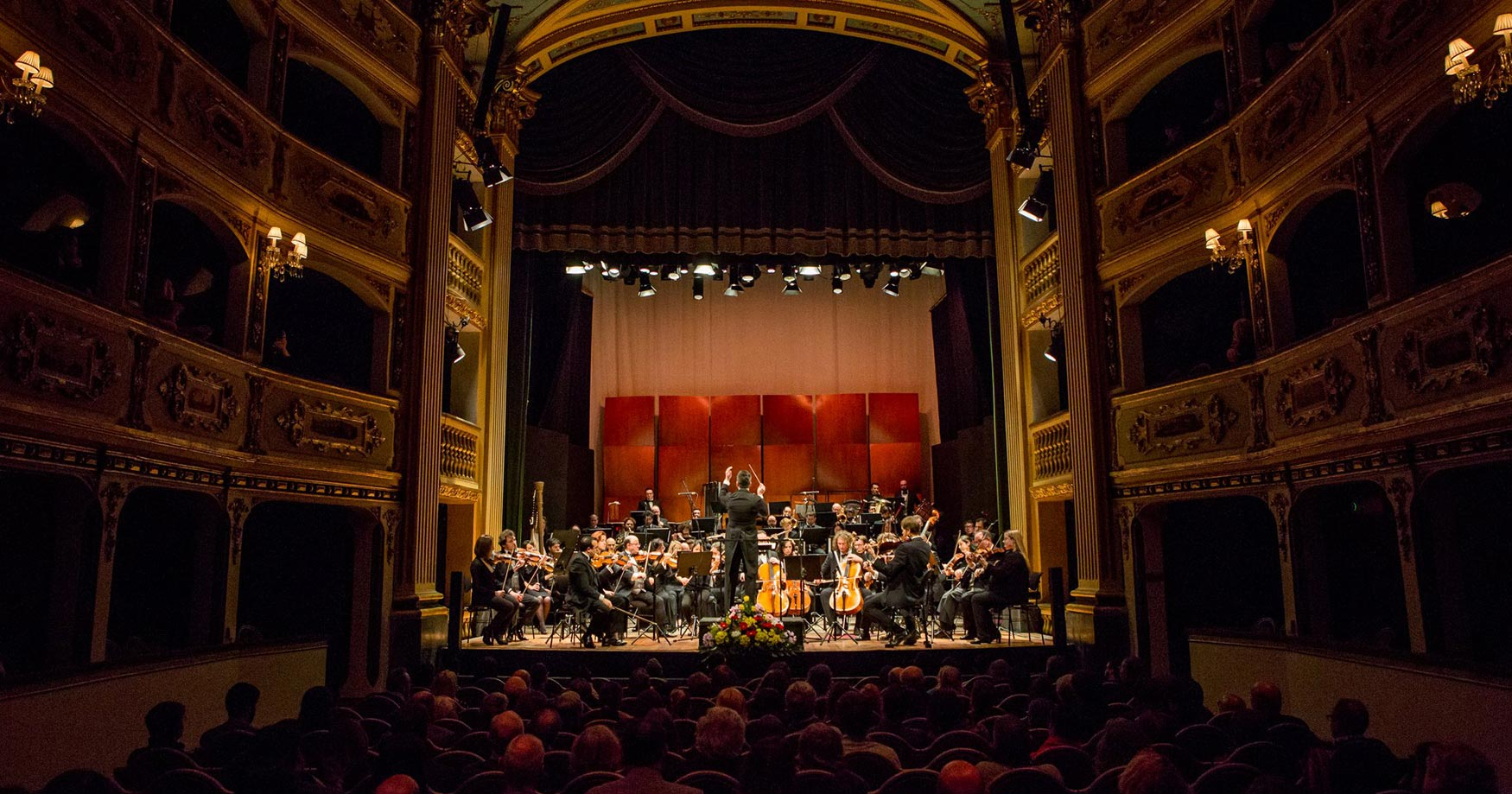 Malta Philharmonic Orchestra performs MISSA CHARLES DARWIN by composer Gregory Brown